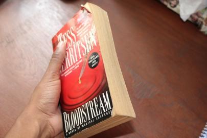 LIPGLOSSNAFFIA BOOKCLUB 4