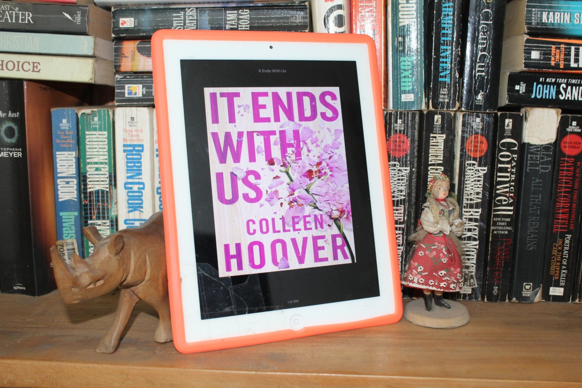 #LipglossmaffiaBookclub: It Ends With Us || Colleen Hoover...